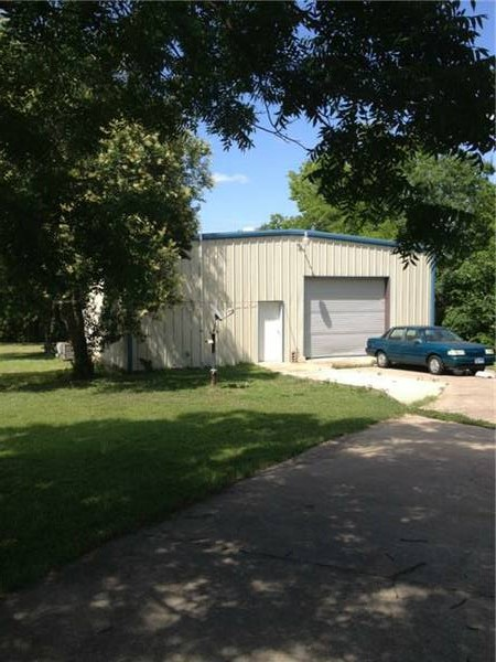 1800 sqft Warehouse Space Available NOW!!