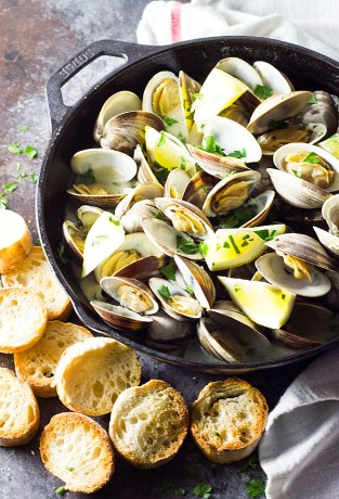 buttery-garlic-steamed-clams-2