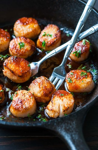 sriracha-seared-scallops-recipe-peasandcrayons-0941