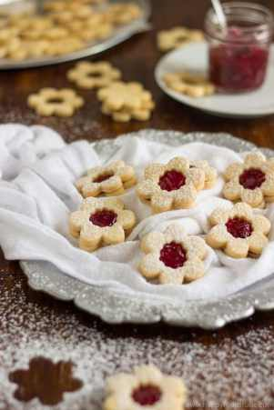 Homemade-Linzer-Cookies-with-Raspberry-Jam-Recipe