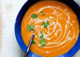 5-Ingredient-Thai-Curry-Butternut-Squash-Soup3-700x500