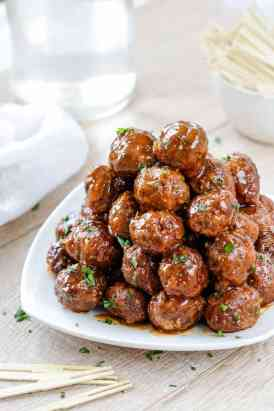 Slow-Cooker-Honey-Buffalo-Meatballs-3
