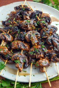 Balsamic Garlic Grilled Mushroom Skewers 800 1154