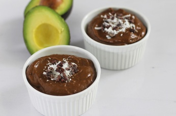 chocolate-avocado-pudding-featured