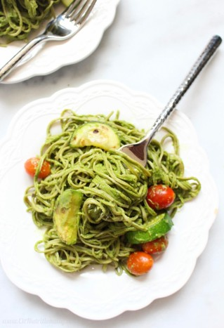 Creamy-Avocado-Pasta-with-Cherry-Tomatoes-and-Zucchini-7-699x1024