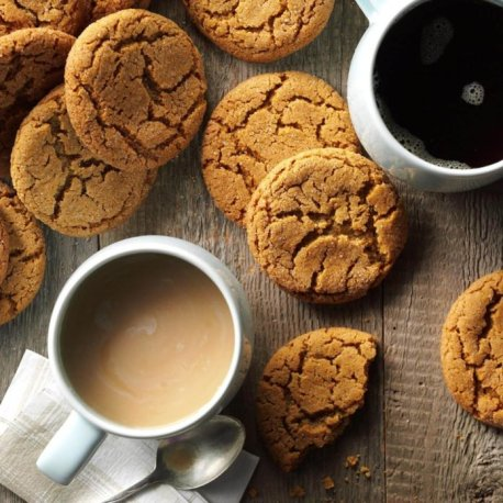 Big-Soft-Ginger-Cookies_EXPS_MCMZ16_12700_B05_20_2b-1-696x696