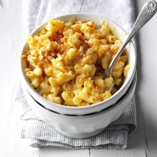 Best-Ever-Mac-Cheese_EXPS_THN16_198047_D06_14_3b-1-696x696