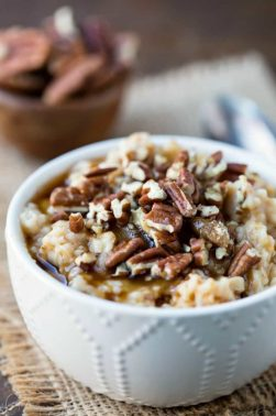 crock-pot-overnight-pecan-pie-oatmeal-1000-680x1020