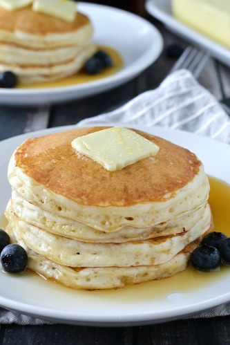 FLUFFY-BUTTERMILK-PANCAKES-9