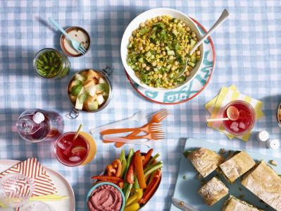 gallery-1466198230-fresh-corn-and-chickpea-salad