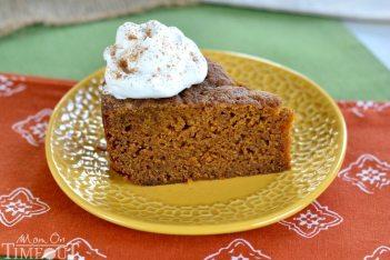 slice-pumpkin-cake